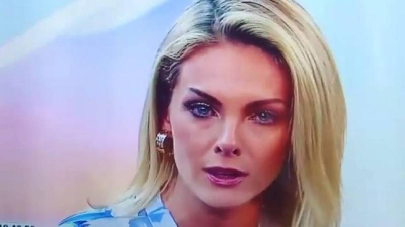Ana Hickmann se emociona em seu retorno ao programa de TV 7188db6300