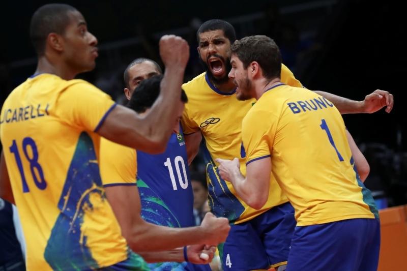 Brasil vence a França no vôlei masculino e pega a Argentina nas quartas f5507ac6bef44