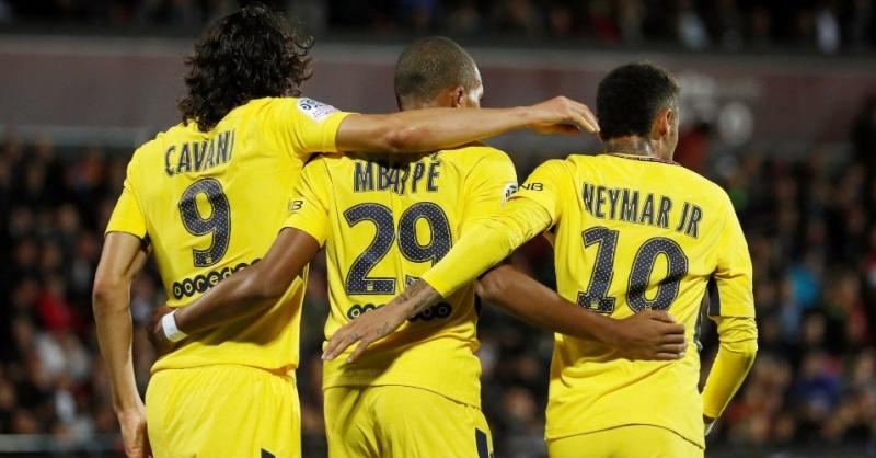 5c9090abff4f1 Com gols de Neymar e Mbappé, PSG goleia lanterna fora de casa