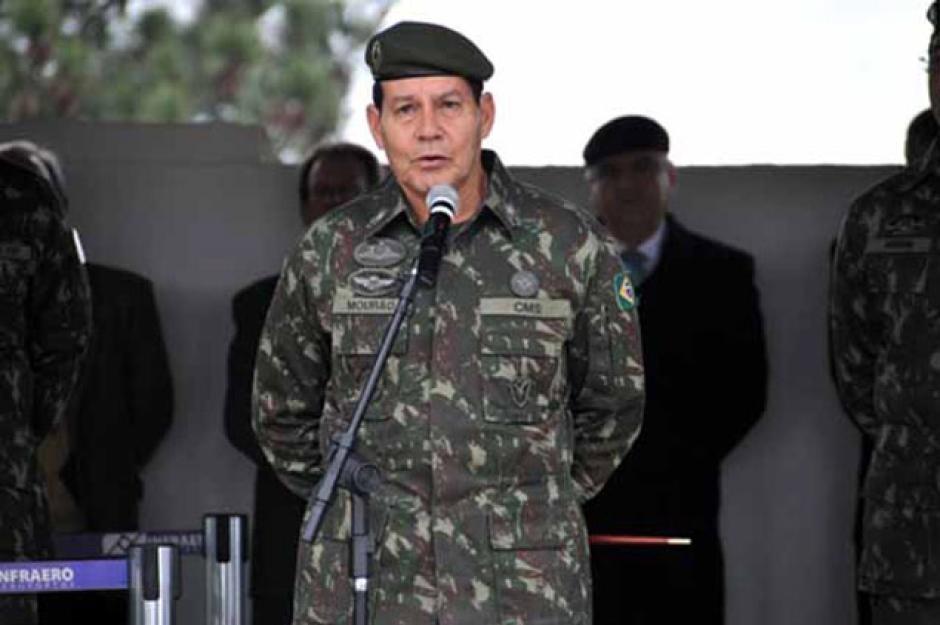 Resultado de imagem para general da ativa Antônio Hamilton Martins Mourão