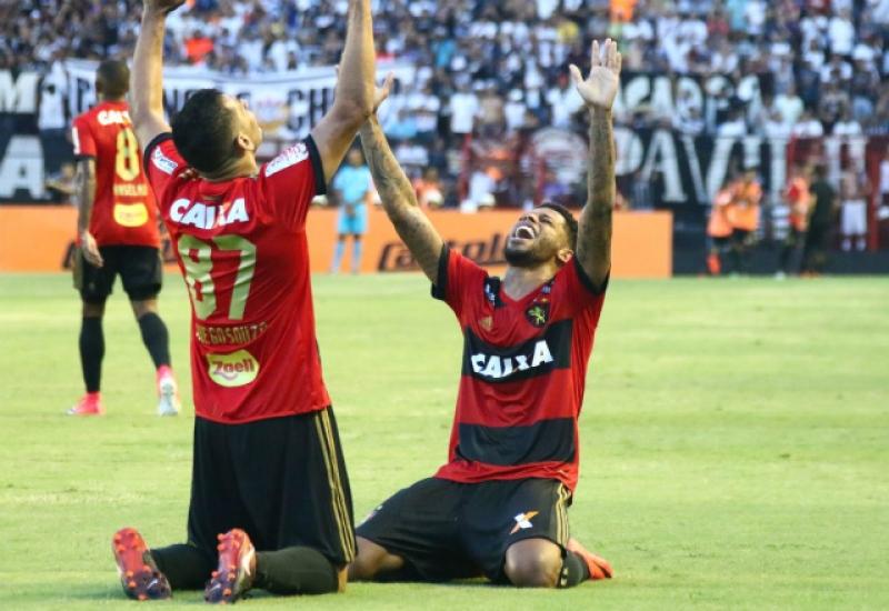 c64e201e1277a Sport derrota o campeão Corinthians e se livra do rebaixamento no ...