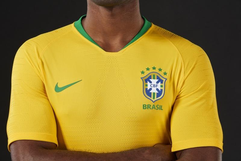 b668ce4f7bbd3 CBF revela nova camisa do Brasil com amarelo vibrante inspirado na ...