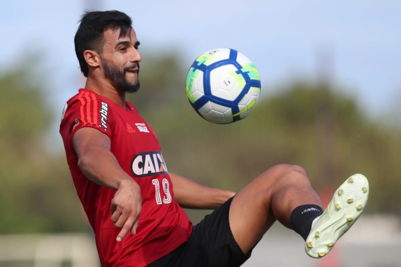 1f24cc1a85502 Flamengo confirma a contratação do goleiro Diego Alves