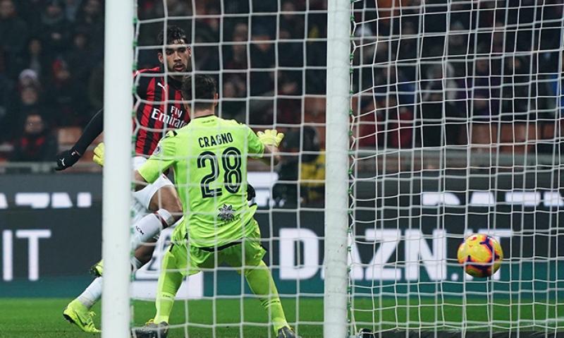 3470eb5916 Paquetá faz 1º gol pelo Milan e homenageia o Flamengo em vitória
