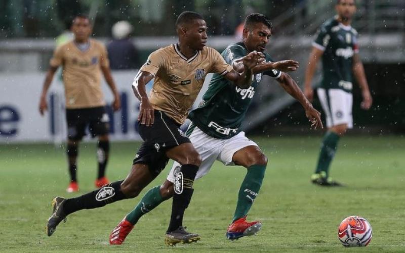 a60a49de85102 Palmeiras e Santos empatam sem gols e decepcionam pelo Paulista