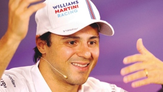 Piloto da Williams, Felipe Massa sorri durante coletiva